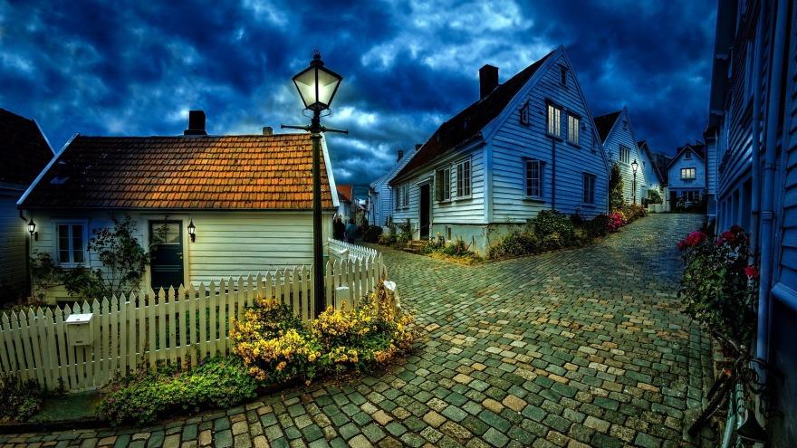 little-houses-1149379_1920.jpg